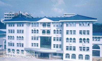 图文 湖北民院建成恩施州最大图书馆