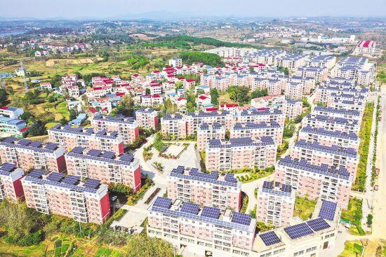 黄冈市红安县城关镇竹林新村集中安置易地扶贫搬迁户954户、3363人。